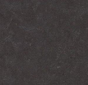 3707/370735 black hole thumb